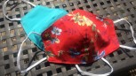 DoggyDolly Mundbedeckung aus Baumwolle - Gesichtsmaske Blumen rot