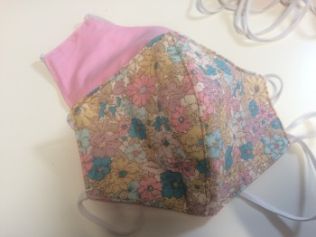 DoggyDolly Mundbedeckung aus Baumwolle - Stoffmaske / Gesichtsmaske Blumen rosa-blau